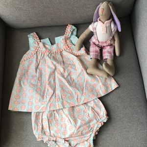 Baby Gap two-pieces set - $15 (6-12 months)